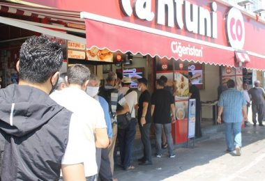 İstanbul'da Tantuni Kuyruğu
