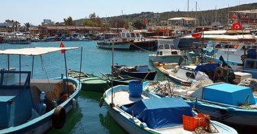 İzmir Foça'da Gezi Teknesi Battı